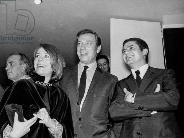 Annie Girardot, Yves Montand, Claude Lelouch, Premiere of  the Movie Live For Life, 1967 (b/w photo)