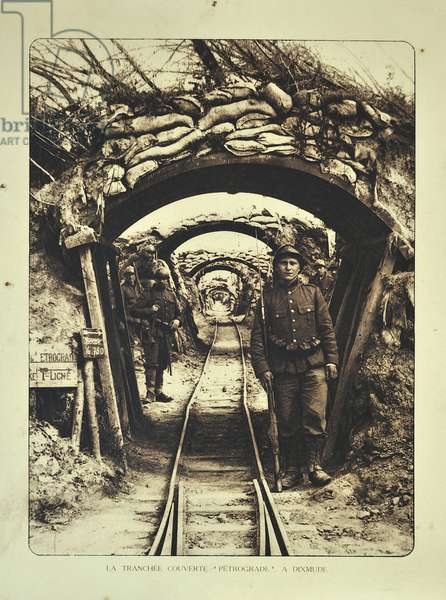 Soldiers in covered trench at Diksmuide in Flanders during the First World War, Belgium ©UIG/Leemage