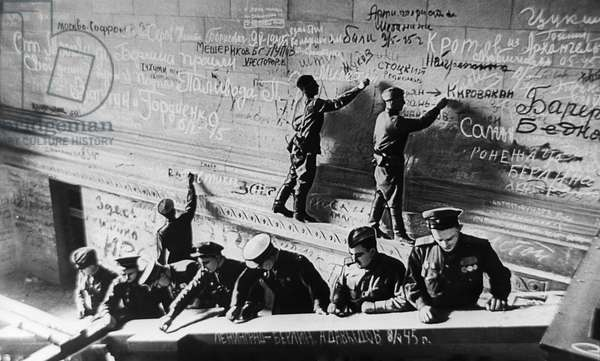 Soldiers Sign Their Names On The Wall Of Reichstag In Berlin