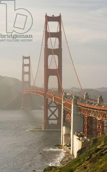 USA, California, San Francisco, Golden Gate Bridge crossing bay