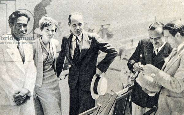 Left to right Duke Kahanamoku, Amelia Earhart, Paavo Nurmi, Douglas Fairbanks and Arthur Jonath at the 1932 Los Angeles Olympic Games
