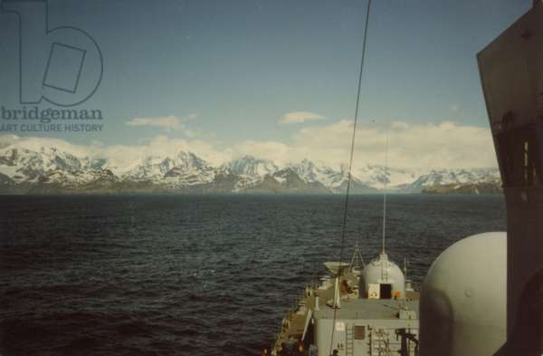 Mountains in the Falklands, 1982 (photo)