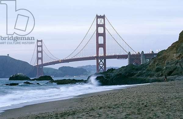 Golden Gate Bridge at Dusk, San Francisco  (photo)