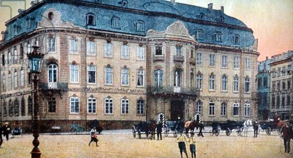 Mayance sur rhin (After World War I the French occupied Mainz) between 1919 and 1930 according to the Treaty of Versailles which went into effect 28 June 1919.