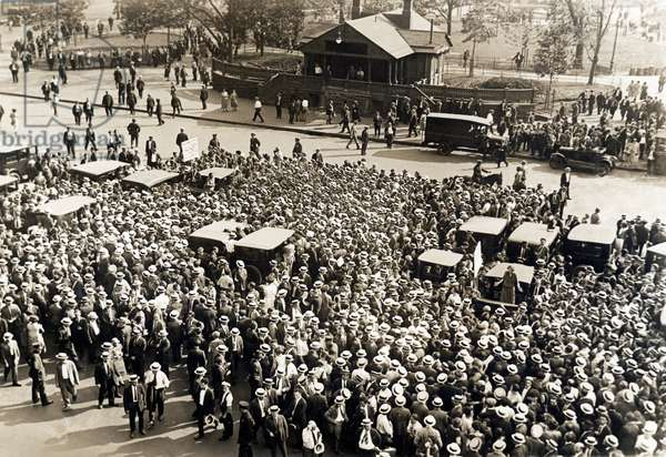Union Workers In Union Square, 1925 (b/w photo)