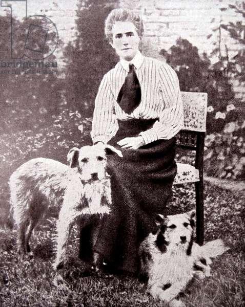 Edith Louisa Cavell, 1915