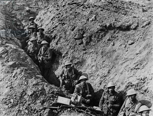 Battle of Flers-Courcelette, 1916 (b/w photo)