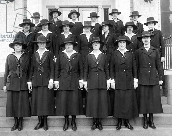 WWI Navy Women Yeoman (b/w photo)