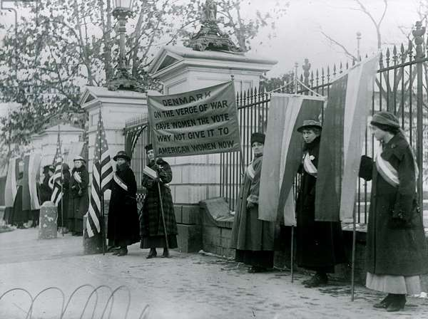 Denmark gave women's Rights 1913 (photo)