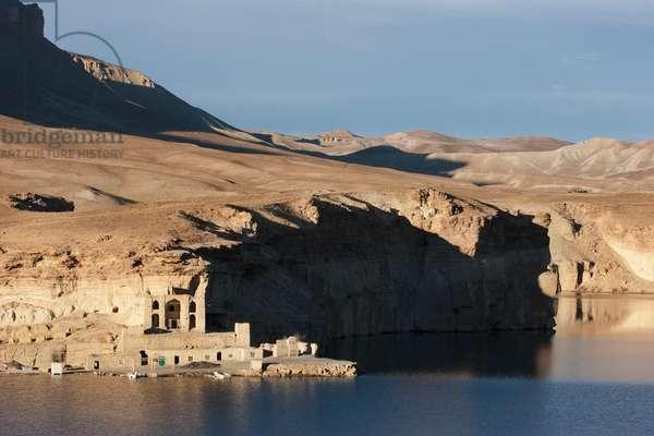 Qadamjoy Shah-I-Aulia Shrine Beside the Band-I-Haibat (Dam of Awe), Band-I-Amir, Bamian Province, Afghanistan (photo)