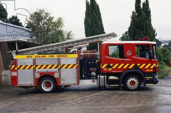 New Zealand, fire engine, side view