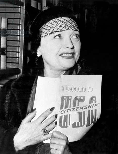 Pola Negri Becomes US Citizen (b/w photo)