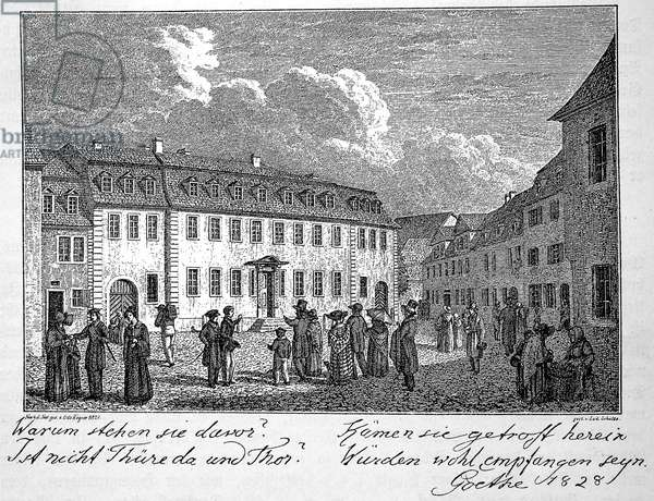 People in front of the house of Johann Wolfgang von Goethe in Weimar