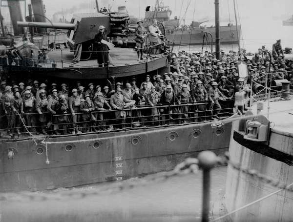 British Soldiers on a Ship in World War Two waiting to be evacuated from Dunkirk, May 1940 (b/w photo)