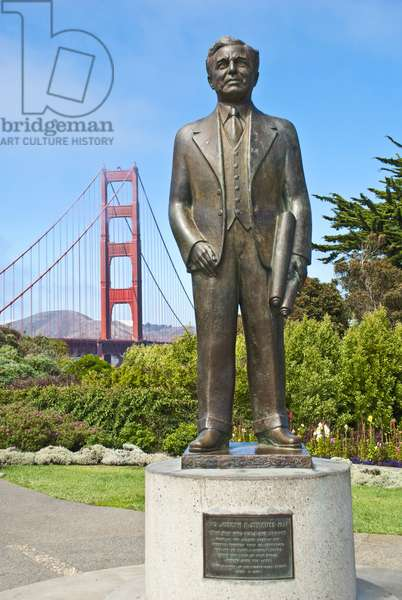 Joseph Strauss statue and Golden gate Bridge, San Francisco, California, USA