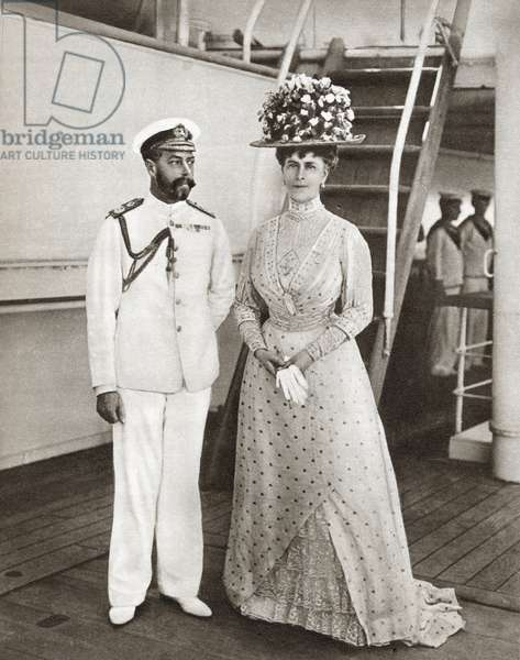 King George V and Queen Mary in 1911 on board The Medina for their visit to India. George V, George Frederick Ernest Albert, 1865 - 1936. King of the United Kingdom. Mary of Teck, Victoria Mary Augusta Louise Olga Pauline Claudine Agnes, 1867 - 1953. Queen consort as the wife of George V. From The Story of 25 Eventful Years in Pictures, published 1935 ©UIG/Leemage