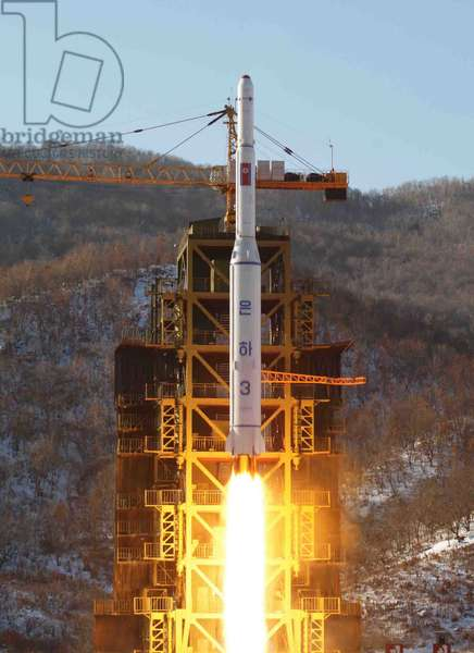 Photograph of the launch of the Unha-3 carrier rocket