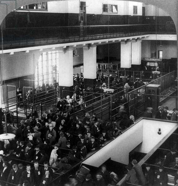 Photograph of European immigrants on Ellis Island