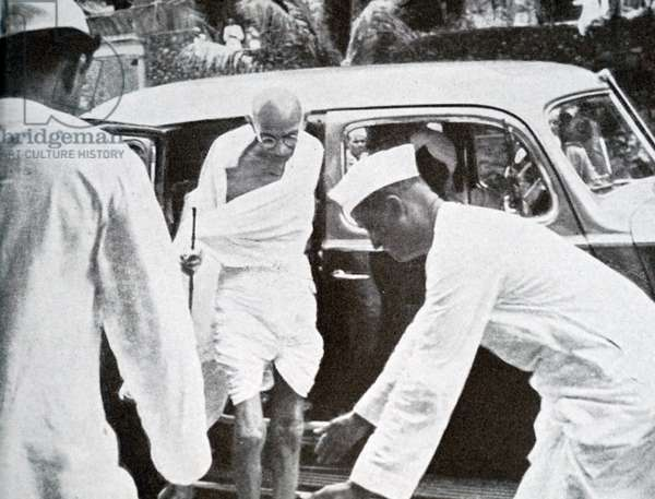 Mohandas Karamchand Gandhi arrives by car for a meeting in 1941, 1941