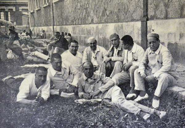 Spanish civil war: General Sanjuro in the courtyard of Dueso with other inmates