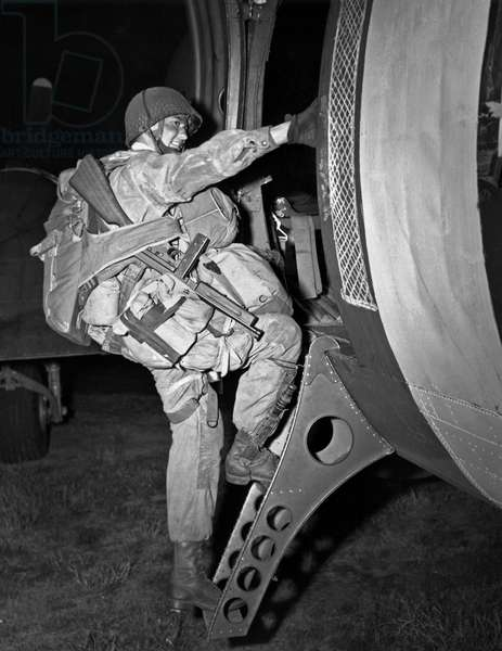 D-Day Paratrooper Ready (b/w photo)
