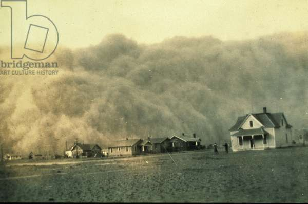 Photograph of a dust storm approaching Stratford, Texas