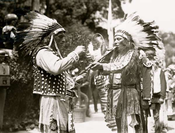 Indians in N.Y. 4th July parade 1912 (photo)