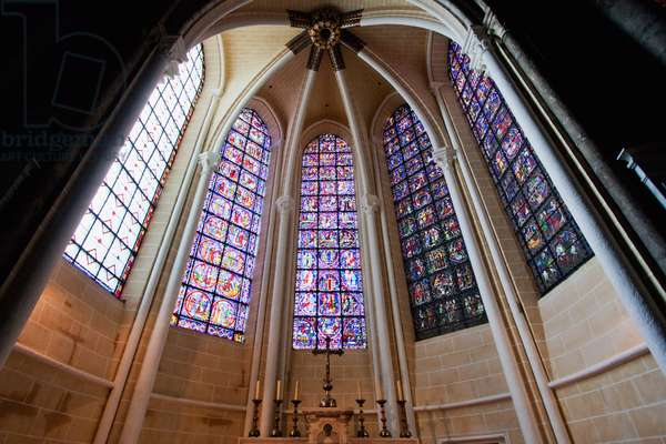 Altar and Stained Glass Windows in A Radiating Chapel of Chartres Cathedral, Chartres, France (photo)