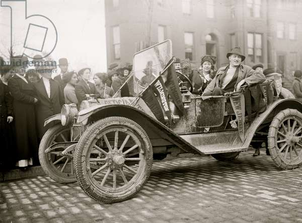 Woman's Suffrage Scout Car 1913 (photo)