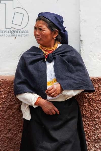 Otavaleno Woman, Otavalo, Imbabura, Ecuador (photo)