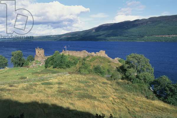 Great Britain, Scotland, ruins of Urquhart Castle overlooking Loch Ness