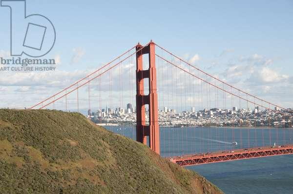 USA, California, San Francisco, Golden Gate Bridge, from Conzelman Road in Marin County