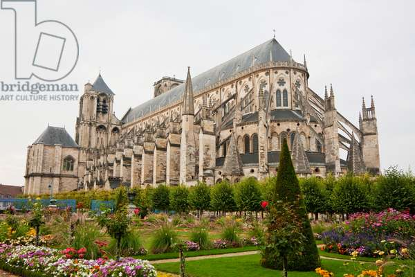 Archbishop's Garden and Cathedral of St Etienne of Bourges, Bourges, Cher, France (photo)
