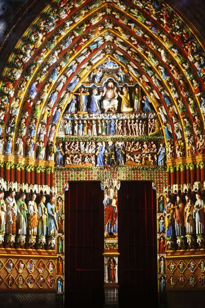 Amiens cathedral illumination Last judgment gate (photo)