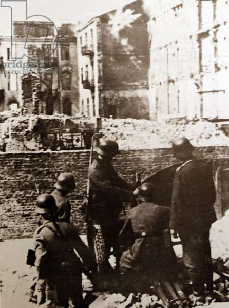 German troops take part in the destruction off the Warsaw Ghetto in 1943