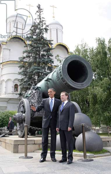 Barack Obama And Dmitry Medvedev In Front Of The Tsar Cannon