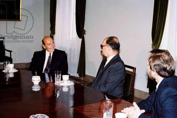 NATO Secretary General, 1990