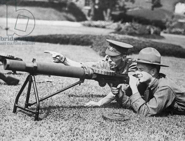 Machine Gun Instructions, United States, c.1917 (b/w photo)