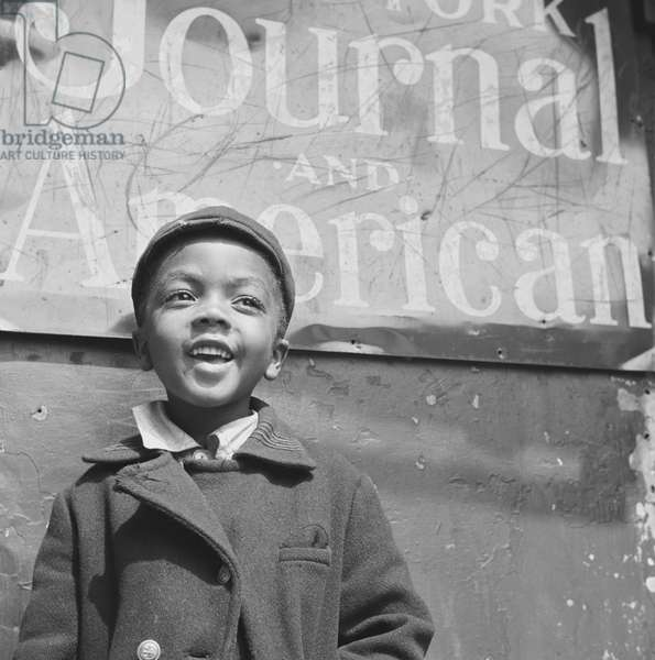 African American Harlem newsboy 1943 (photo)