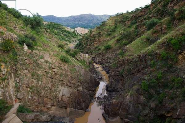 Canal of Represa De San Jacinto Dam, Tarija, Bolivia (photo)