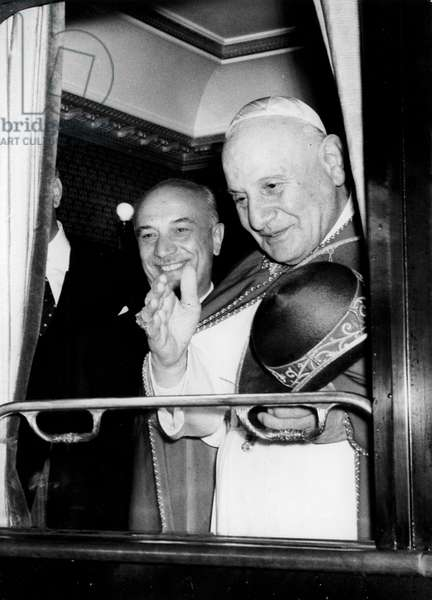 Rome October 4 1962-The papal train departing to Loreto, Pope John XXIII with the Italian Prime Minister Amintore Fanfani