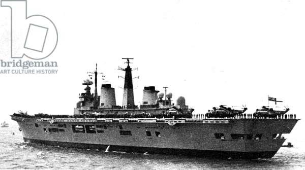 Falklands War Malvinas 1982 HMS Invincible Air carrier