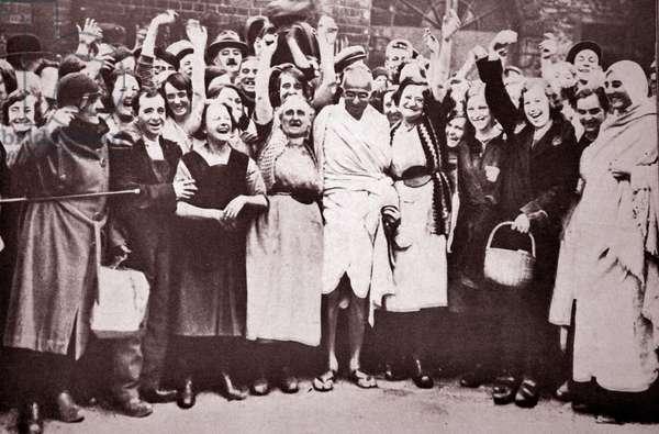 Gandhi with mill workers in Darwen.
