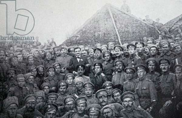 Marius Moutet visiting Russian troops during World War One to rally Russian continued involvement.