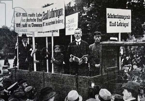 A protest in Berlin against the Treaty of Versailles