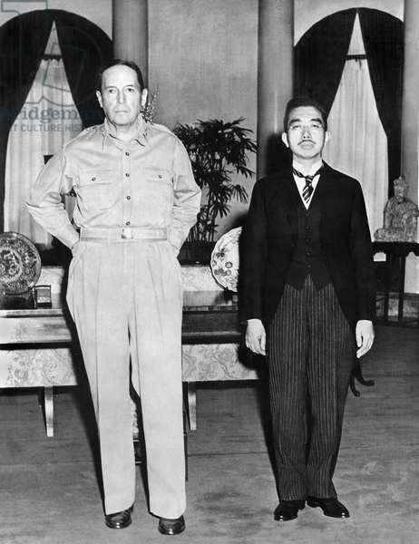 General Douglas McCarthur with the Japanese Emperor Hirohito