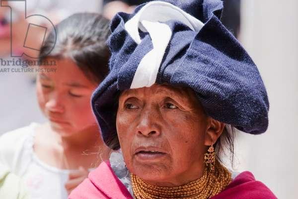 Old Otavalena Woman, Otavalo, Imbabura, Ecuador (photo)