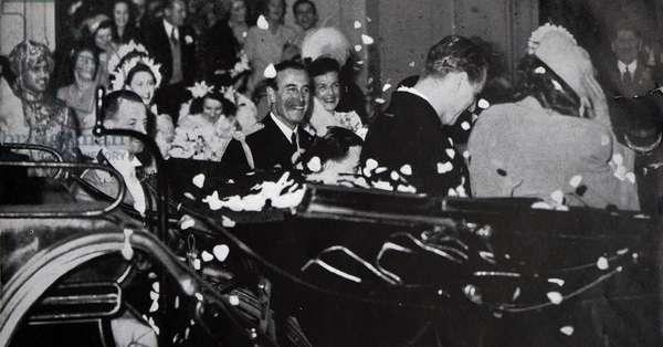 Princess Elizabeth and Prince Phillip leaving Buckingham Palace for their honeymoon