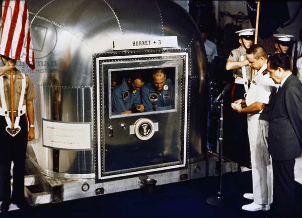 Lunar Spacecraft, Apollo 11 crew inside the quarantine facility US President Nixon, 1969