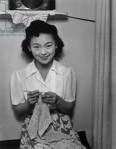 Mrs. Dennis Shimizu, Manzanar Relocation Center, California, 1943 (photo)